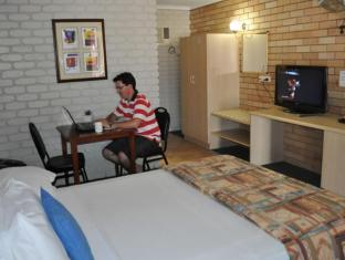 Castle Motor Lodge Whitsundays - Habitació