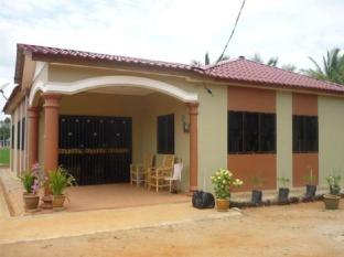 Homestay Kampung Lonek 甘榜罗勒克民宿