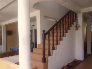 C-Lanka Family Guesthouse Bentota/Beruwala - Stairs to first floor