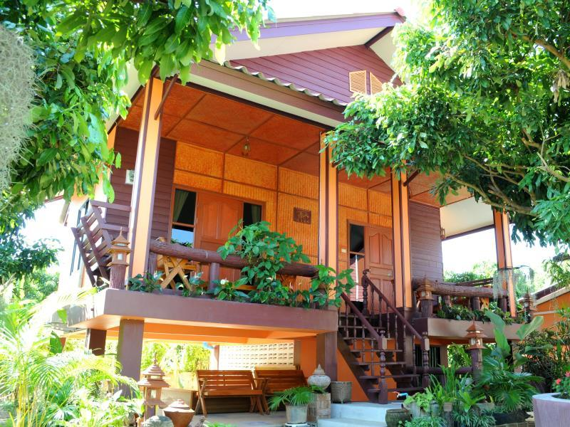 Bansuan Thanormpat Resort - Hotels and Accommodation in Thailand, Asia
