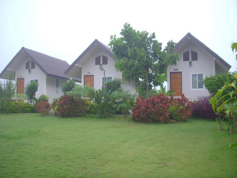 บ้านสวนภูชารีฟ