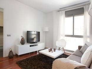 Rent Top Apartments Eixample Central II Barcelona - Guest Room