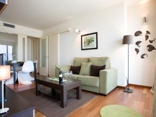 Rent Top Apartments Duplex Penthouse CCIB With Pool Barcelona - Guest Room
