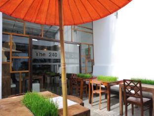 The 240 Hotel 240酒店