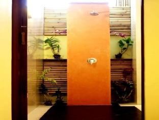 スアンマリサムイ ホテル1