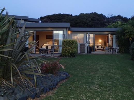 Chardy Ridge Accommodation Auckland - Tui & Tapa Rooms