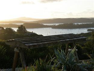 Chardy Ridge Accommodation Auckland - Guest Swing Seat / Views