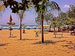 贝莫角落招待所 巴厘岛 - 沙滩