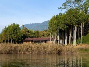 Puri Candikuning Retreat Bali - Lake