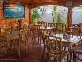 Coucou Bar Hotel and Restaurant Bantayan Island - Restaurant