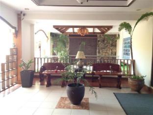 Advianne's Cafe, Hotel, and Restaurant 阿德比安尼咖啡馆、 酒店和餐厅