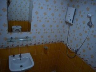 Pongpicha Boutique House Tak - Bathroom