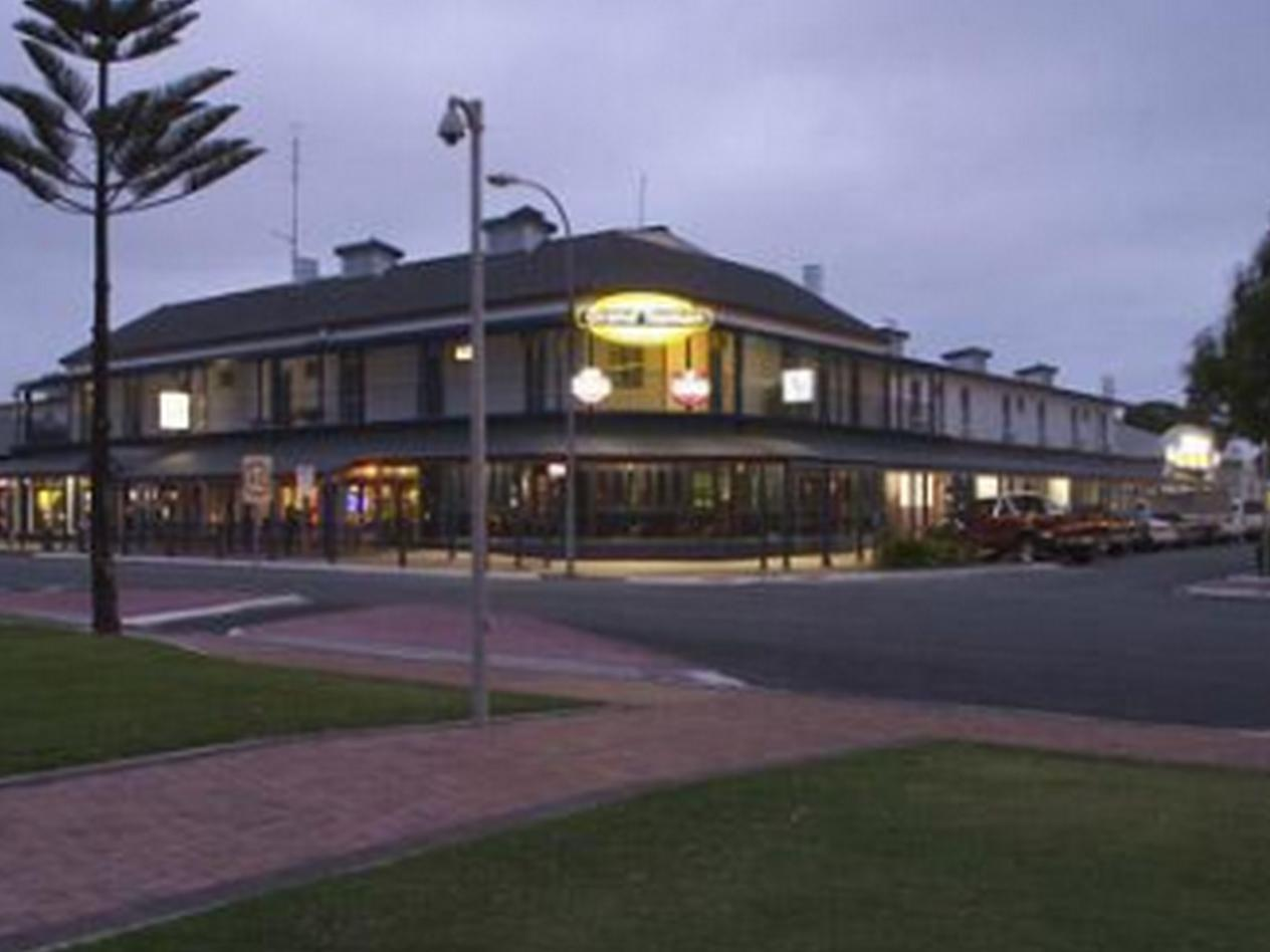 Grand Tasman Hotel - Hotell och Boende i Australien , Port Lincoln