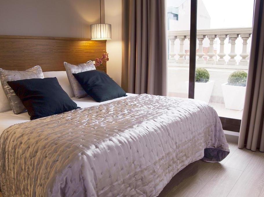Serennia Apartments Ramblas - Placa Catalunya Barcelona - Guest Room