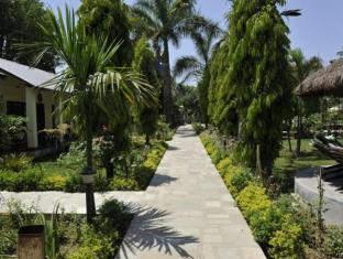 Travellers Jungle Camp Công viên Chitwan - Vườn