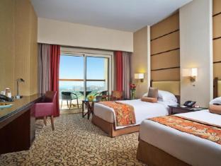 Khalidiya Palace Rayhaan by Rotana Abu Dhabi - Classic Room with Balcony - Twin Bed