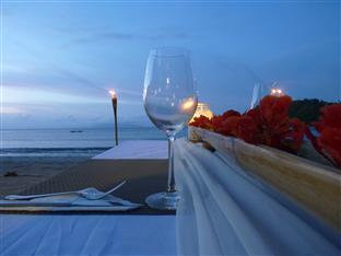 Capari Resort San Vicente - Beach Dinner Set up
