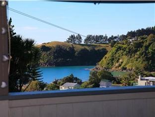 The Bach at Palm Beach Auckland - View of Palm Beach