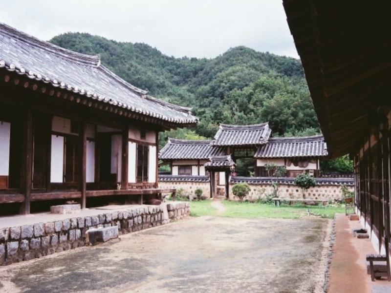 โรงแรม แซดังฮานกเกสท์เฮาส์  (Suaedang Hanok Guesthouse)