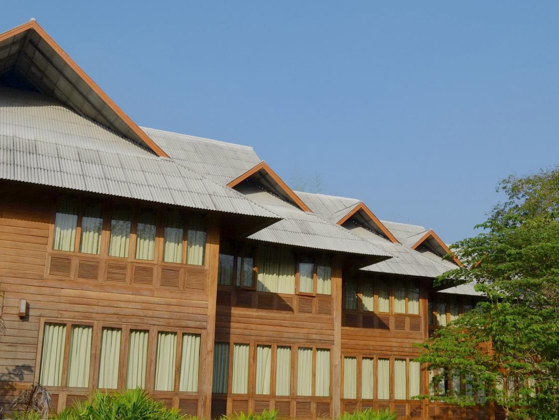 huen kam fah golf resort tak  thailand great discounted rates