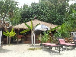 Wonderland Bar & Bungalows Sihanoukville - Beach
