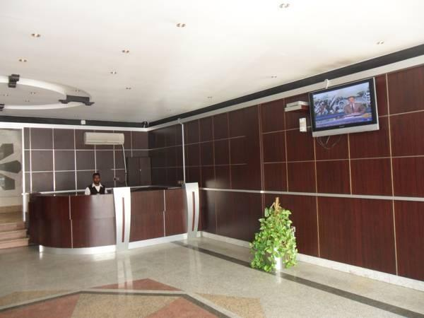 Golden Prince Apartment 5 - Hotels and Accommodation in Saudi Arabia, Middle East