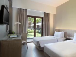 Hotel Santika Siligita Nusa Dua Bali - Kamar Tidur
