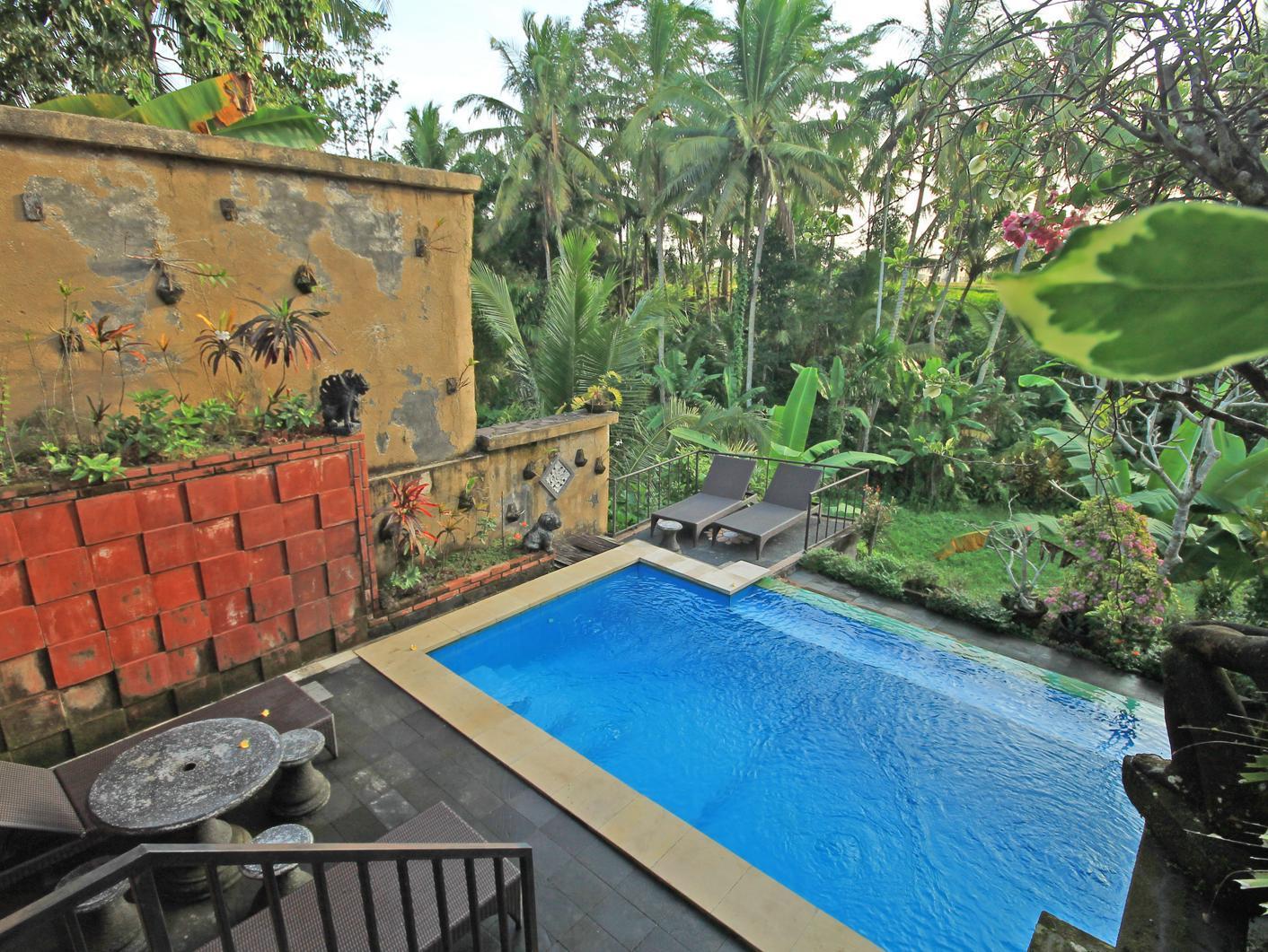 Deta Junjungan Rice Field Villa
