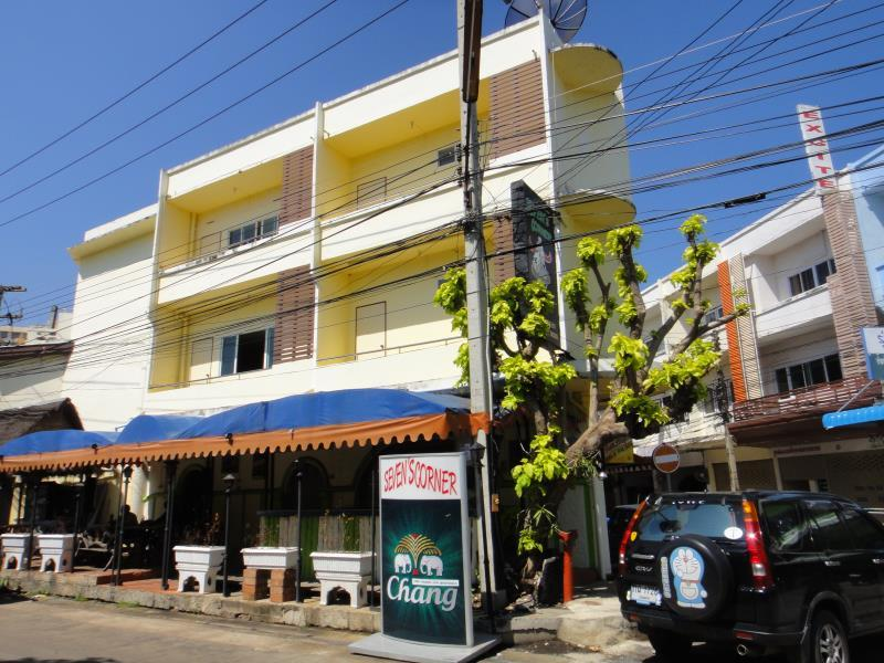 Yellow House - Hotels and Accommodation in Thailand, Asia