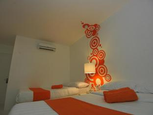 Islands Stay Hotels - Uptown Cebu - Guest Room