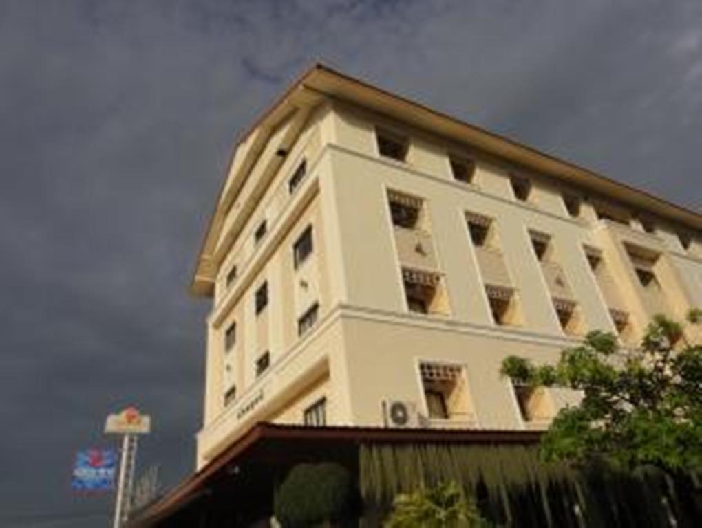 Hotell Chonlapruk Lakeside Hotel i , Khon Kaen. Klicka för att läsa mer och skicka bokningsförfrågan