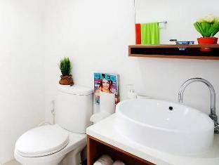 The Square Condominium Phuket - Badezimmer