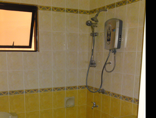 Stays Holiday @ Marina Court Condominium Kota Kinabalu - Bathroom