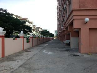 Malaysia Hotel Accommodation Cheap | Marina Court Vacation Home Kota Kinabalu - Exterior