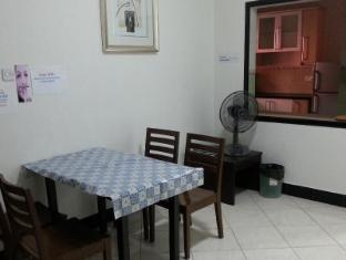 Malaysia Hotel Accommodation Cheap | Marina Court Vacation Home Kota Kinabalu - Shared dining room