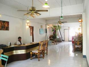 Crown Hostel Phuket - Vestíbulo