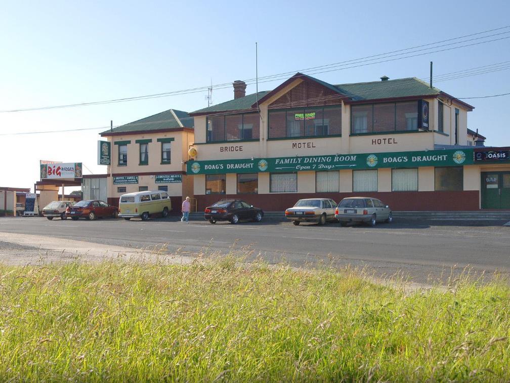 The Bridge Hotel - Hotell och Boende i Australien , Smithton
