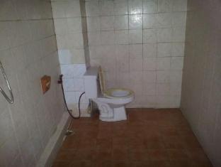 Shadow Inn Bangkok - Bathroom