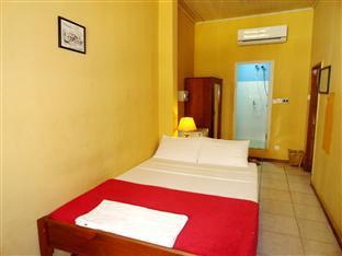 Lyon d'or Hotel and Restaurant Phnom Penh - Double Bedroom