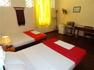 Lyon d'or Hotel and Restaurant Phnom Penh - Superior Twin Bedroom