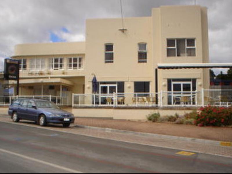 The Neptune Grand Hotel - Hotell och Boende i Australien , Penguin