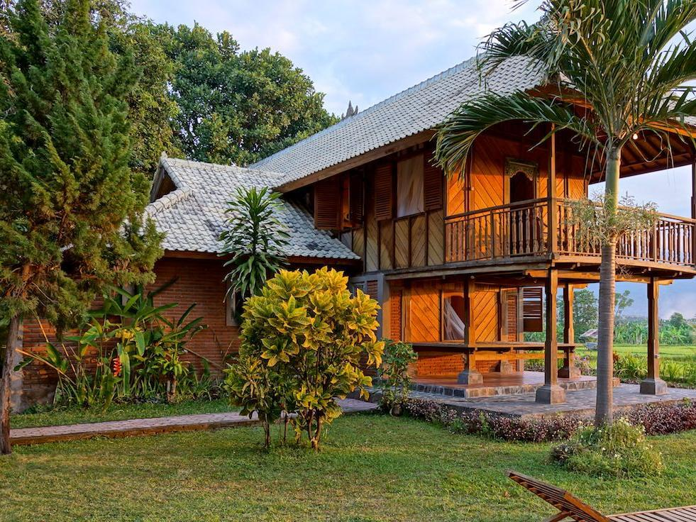 Shanti Loka Hotel