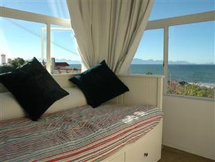 Blue On Blue Bed and Breakfast Cape Town - Sun Room
