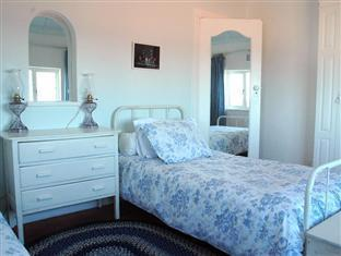 Blue On Blue Bed and Breakfast Cape Town - Curries Corner View