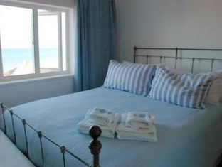 Blue On Blue Bed and Breakfast Cape Town - Guest Room
