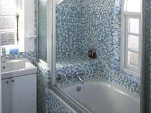 Blue On Blue Bed and Breakfast Cape Town - Bathroom