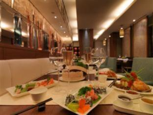 Radisson Blu Hotel Greater Noida New Delhi and NCR - Food, drink and entertainment