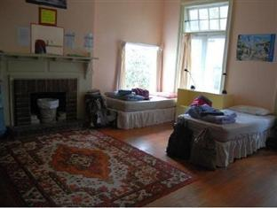 City Garden Lodge Backpackers Auckland - 8 Bed Dormitory