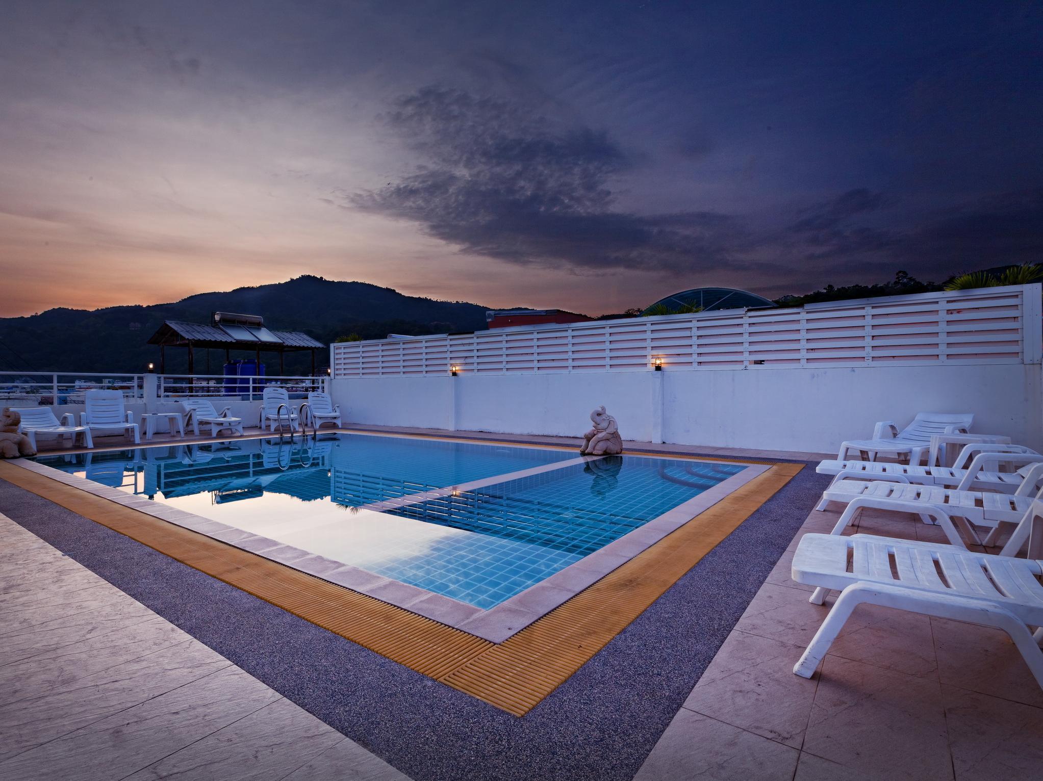 Hotell Garden Phuket Hotel i Patong, Phuket. Klicka för att läsa mer och skicka bokningsförfrågan