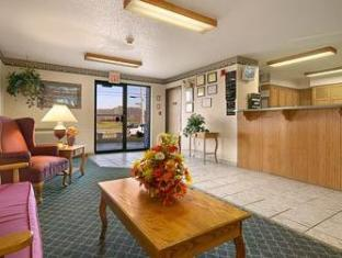 Super 8 Gallipolis Pt Pleasant Area Hotel Gallipolis (OH) - Reception